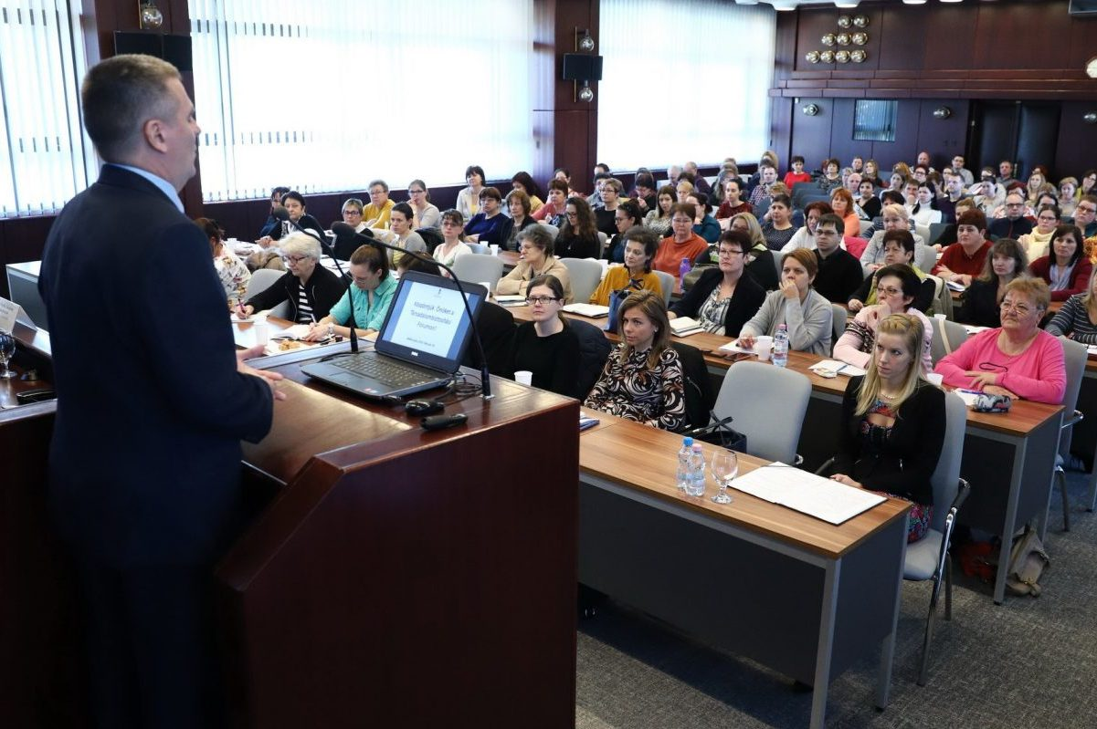 Társadalombiztosítási fórumot rendeztek a kormányhivatalban