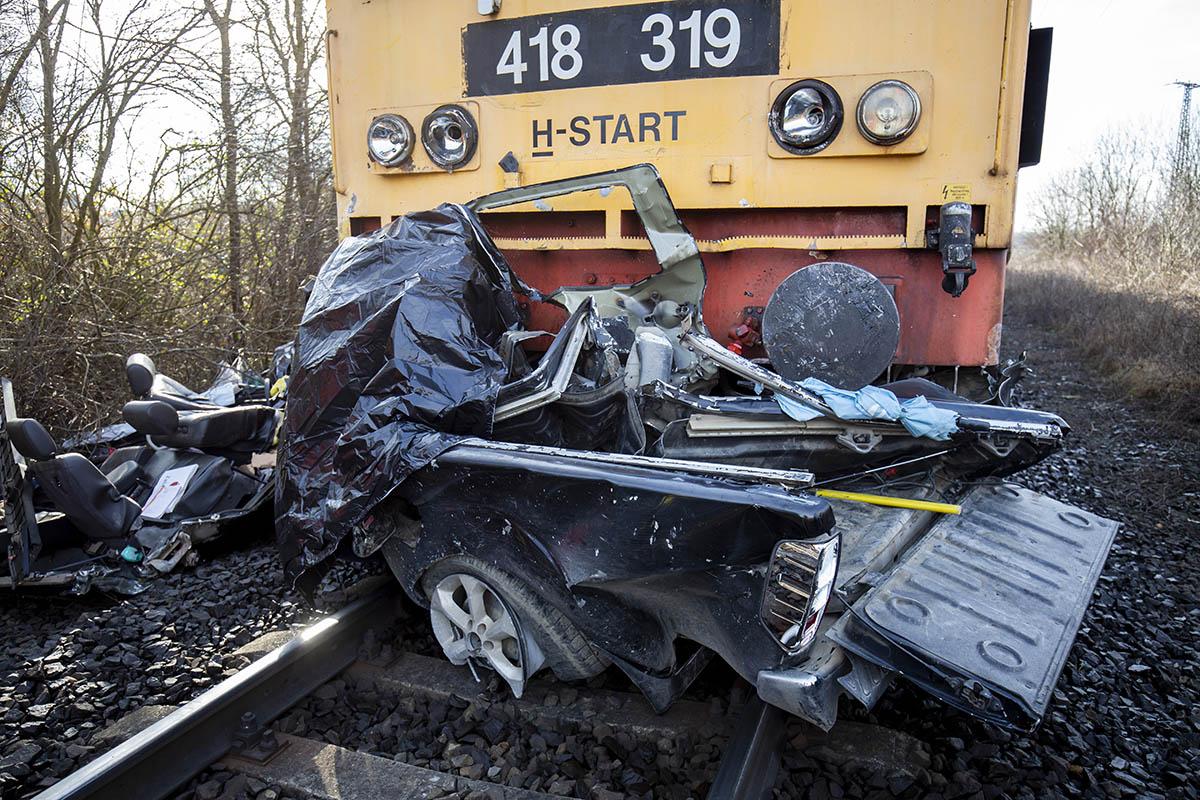 Meghalt egy ember, aki autójával vonattal ütközött Nagykanizsán