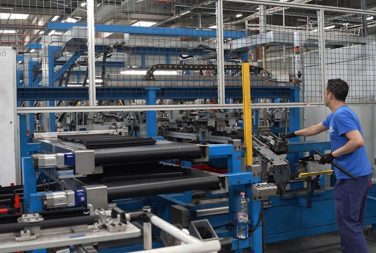 A Ford még legalább egy hónapig szünetelteti európai gyártási tevékenységét