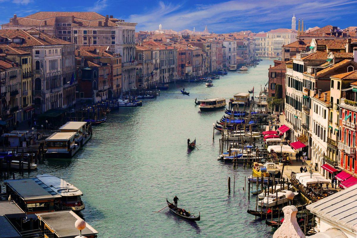 Megkezdődött a turisták kamerás számlálása Velencében