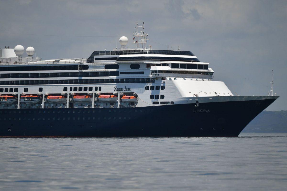 A Floridánál veszteglő két holland üdülőhajó kiköthet