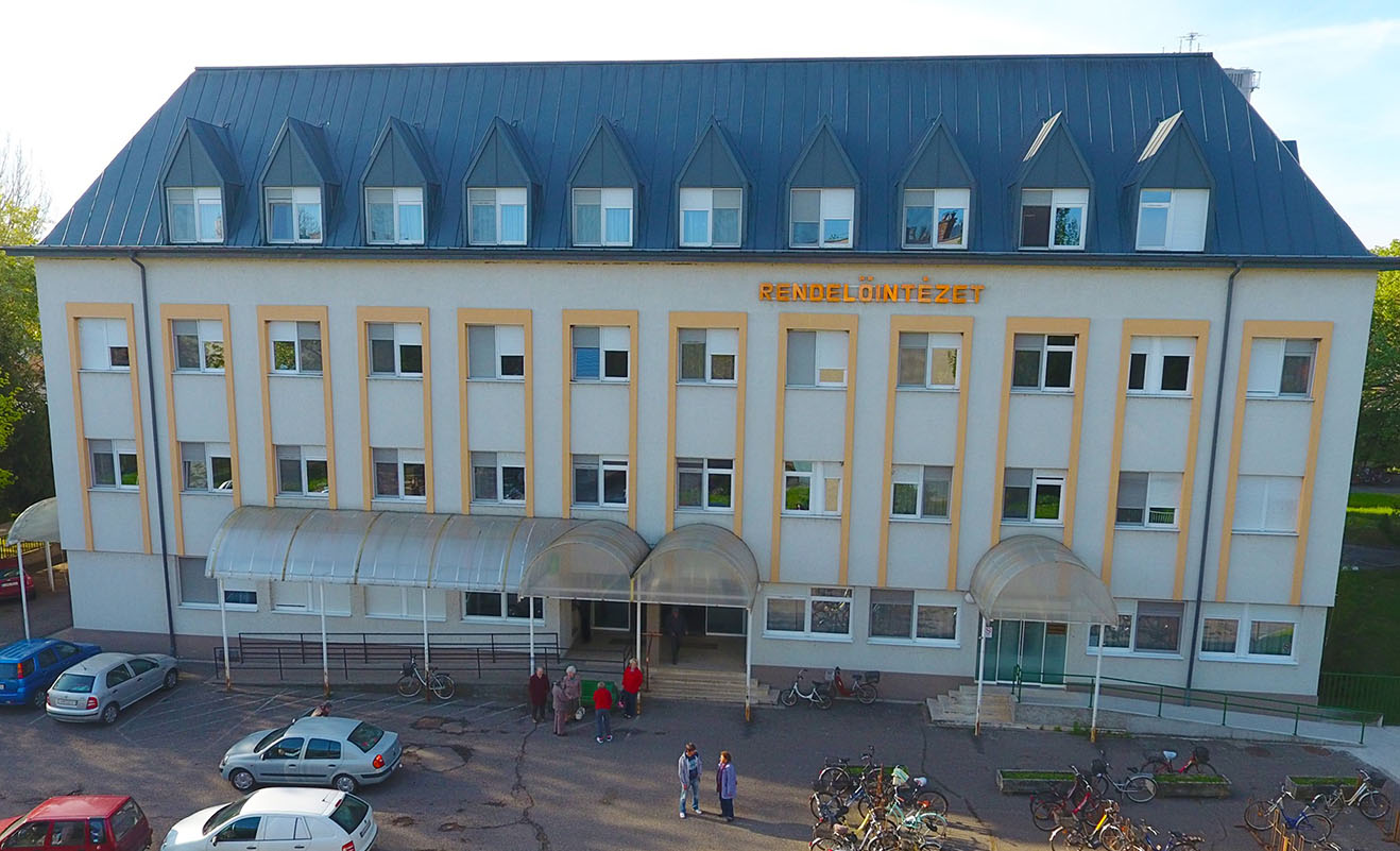 Szűrőponton keresztül lehet bejutni az Orosházi Kórházba