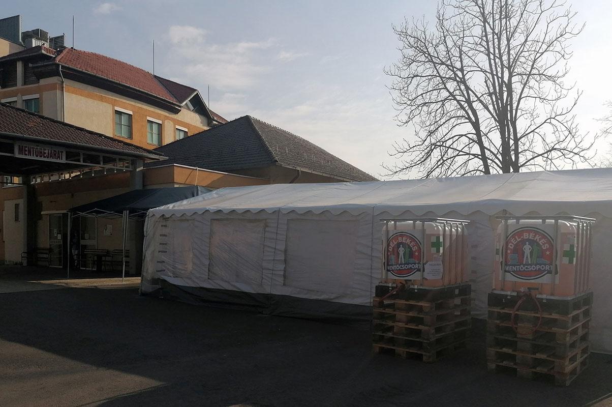 A Dél-Békés Mentőcsoport adományokkal segíti az Orosházi Kórházat