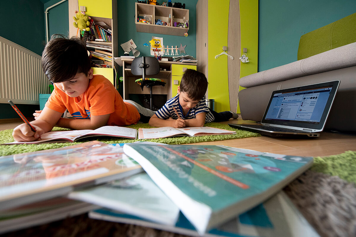 Gyermekmentő szolgálat: a digitális átállással hatékonyabbá válhat a tanulás