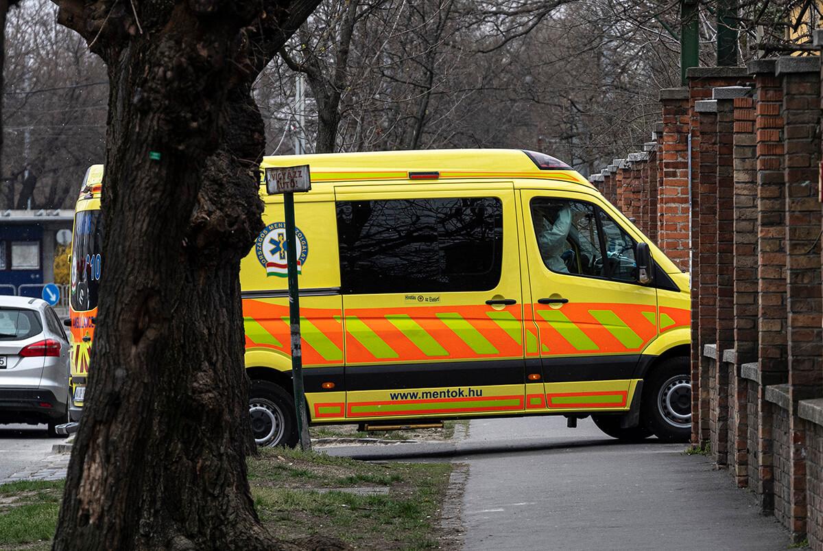 Koronavírus: elhunyt 249 beteg, 1423-an vannak lélegeztetőgépen