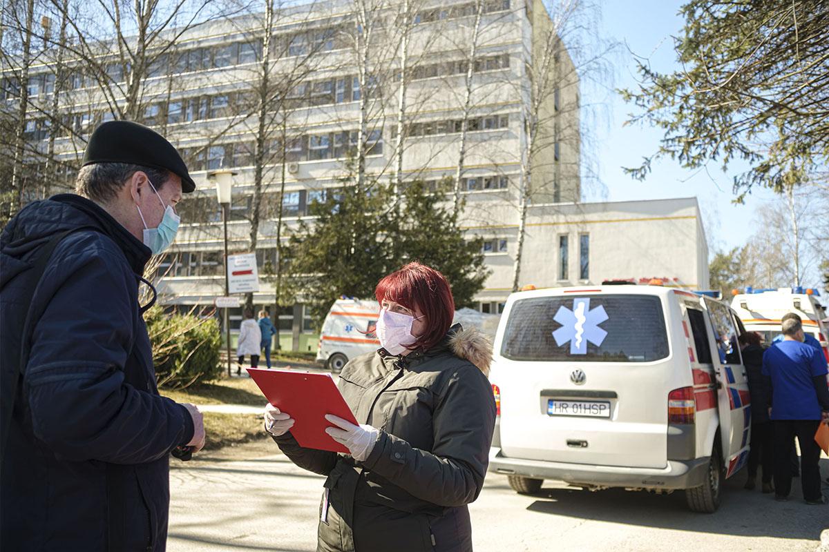 Romániában másfélszeresére ugrott az újonnan diagnosztizált fertőzöttek száma