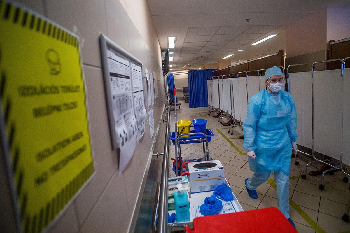 484 fővel emelkedett a beazonosított fertőzöttek száma és elhunyt négy beteg