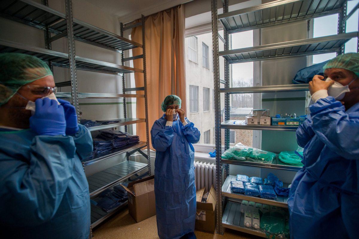 Átlépte a tízezret az igazolt fertőzöttek száma Belgiumban