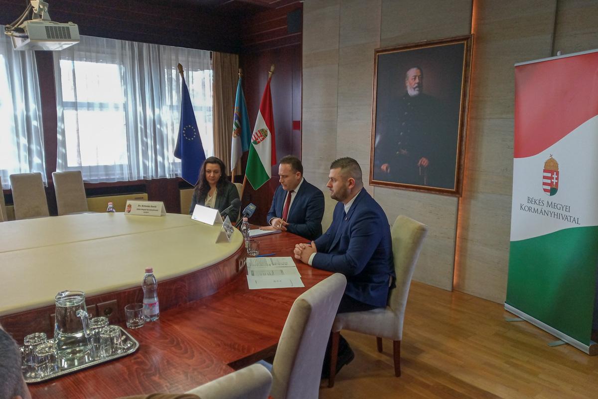 Dr. Takács Árpád: Mozgalmas esztendőt tudhat maga mögött a kormányhivatal