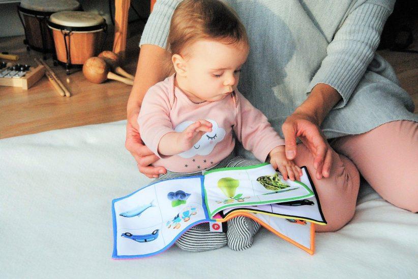 támogatást, örökbefogadás, kisgyermekes, gyerekek, gyerek, kisgyermekes