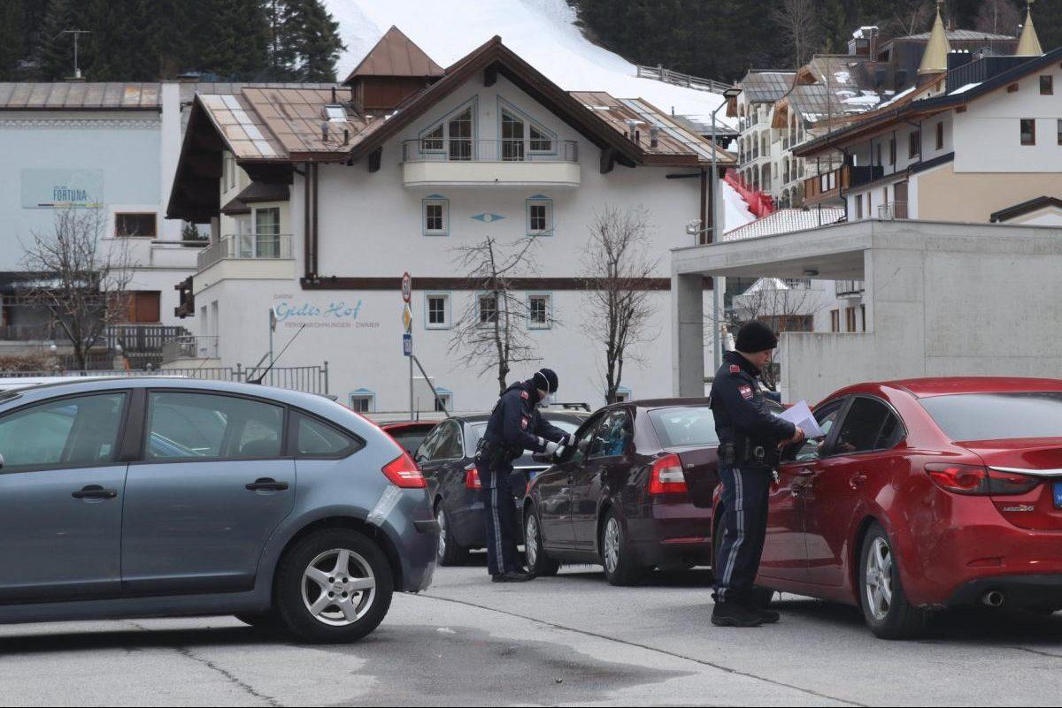 Ausztriában két héttel meghosszabbítják a teljes zárlatot