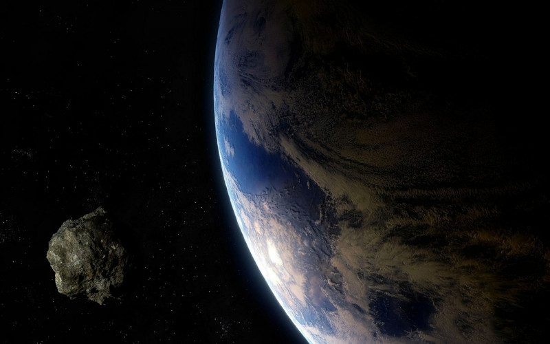 Egy nagyjából 30 méter átmérőjű aszteroida száguld el a Föld mellett holnap