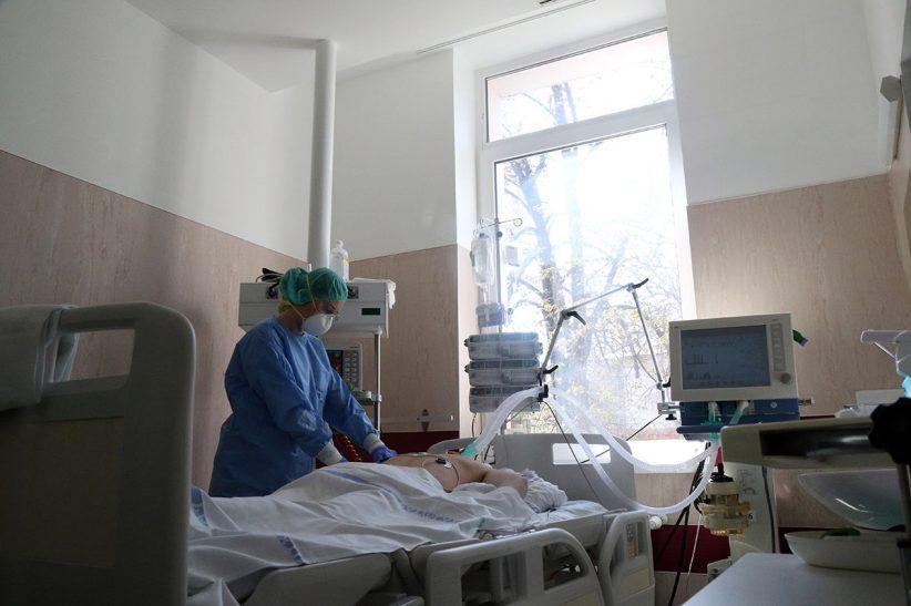 halálos, Franciaországban, Spanyolországban, fertőzöttek, koronavírus, korona, orvos