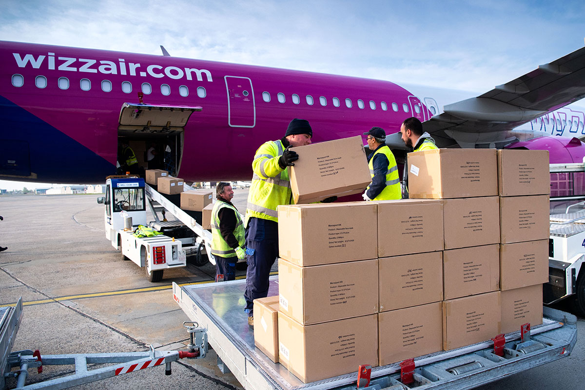 Megérkezett a Wizz Air századik repülőgépe, amely Kína és Magyarország között szállított egészségügyi eszközöket