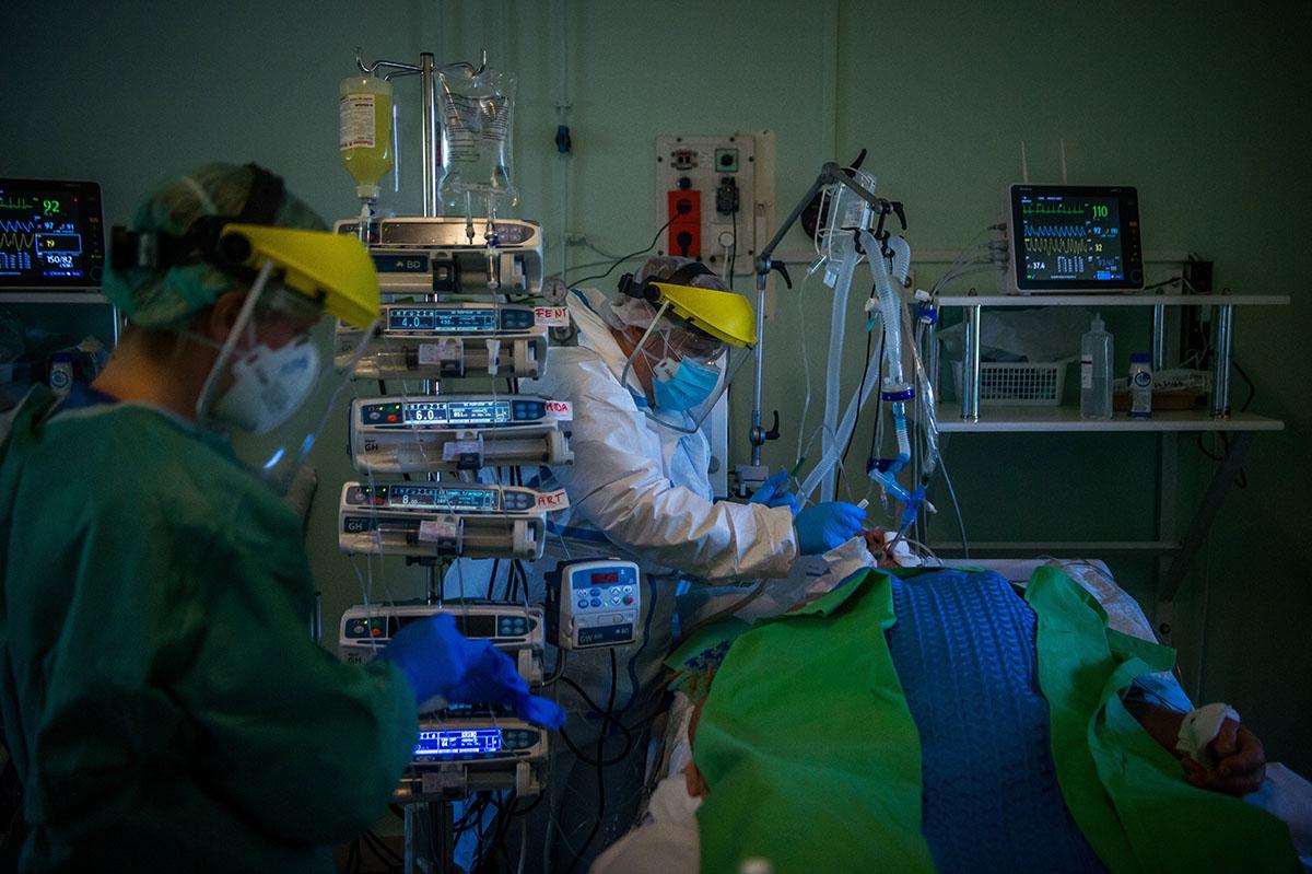 Meghaladta a 60 milliót a világban az igazolt fertőzöttek száma