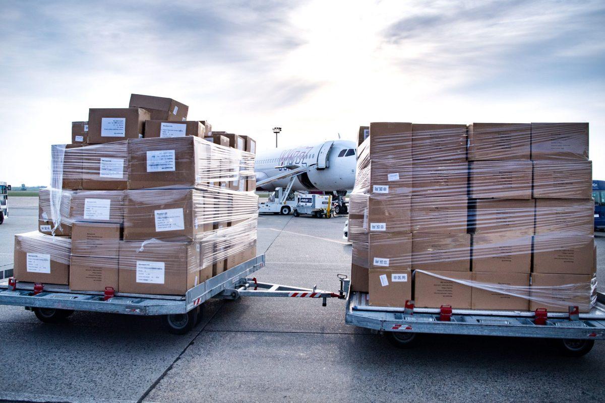 Szijjártó: folyamatos a védőeszközök behozatala