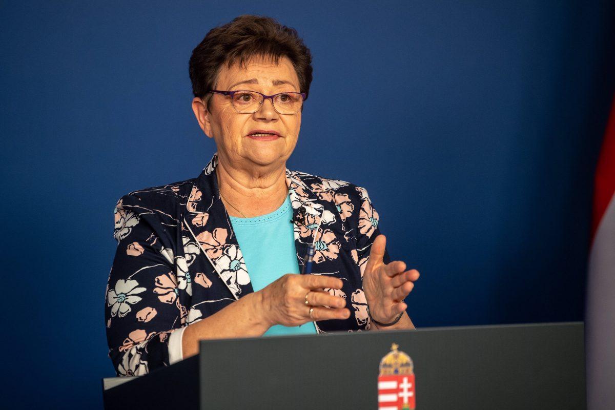 Müller Cecília: Mostanra inkább a fiatalok körében terjed a vírus