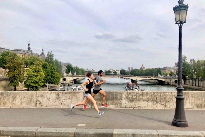 Franciaországban, Párizsban, sportrendezvényekkel