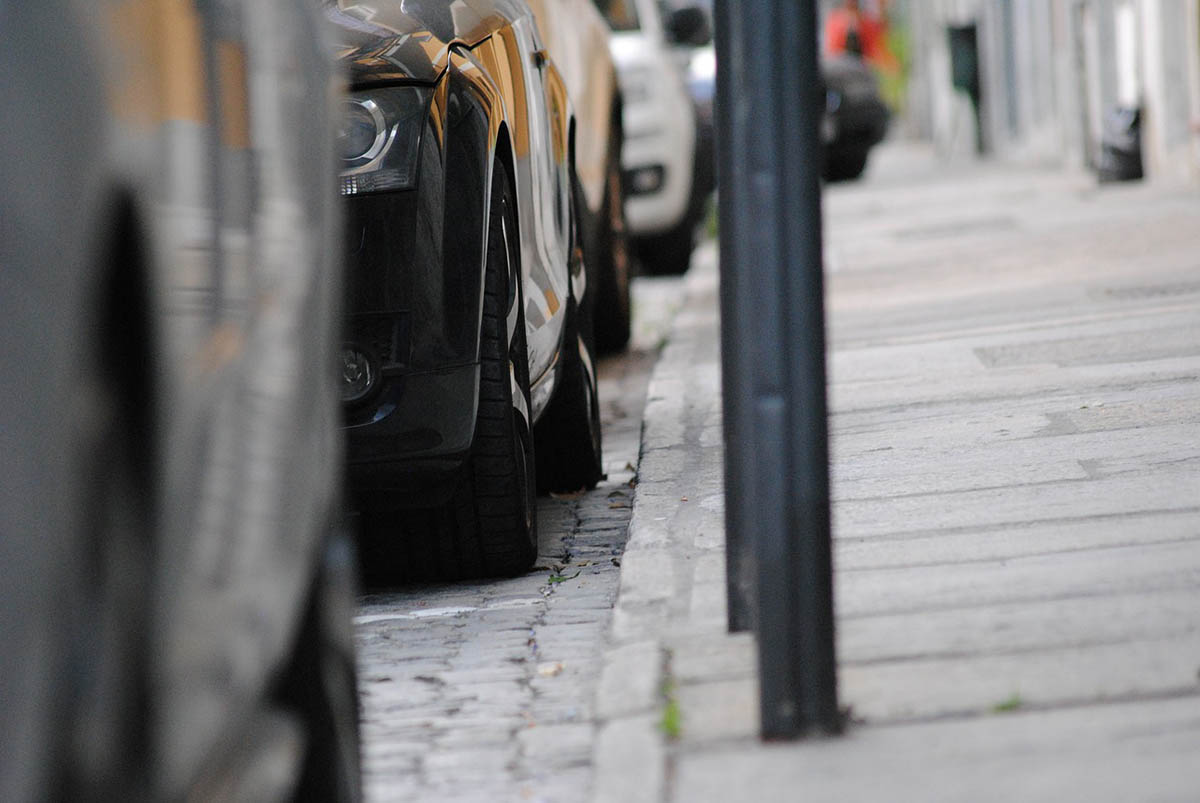Hétfőtől díjmentes a közterületi parkolás