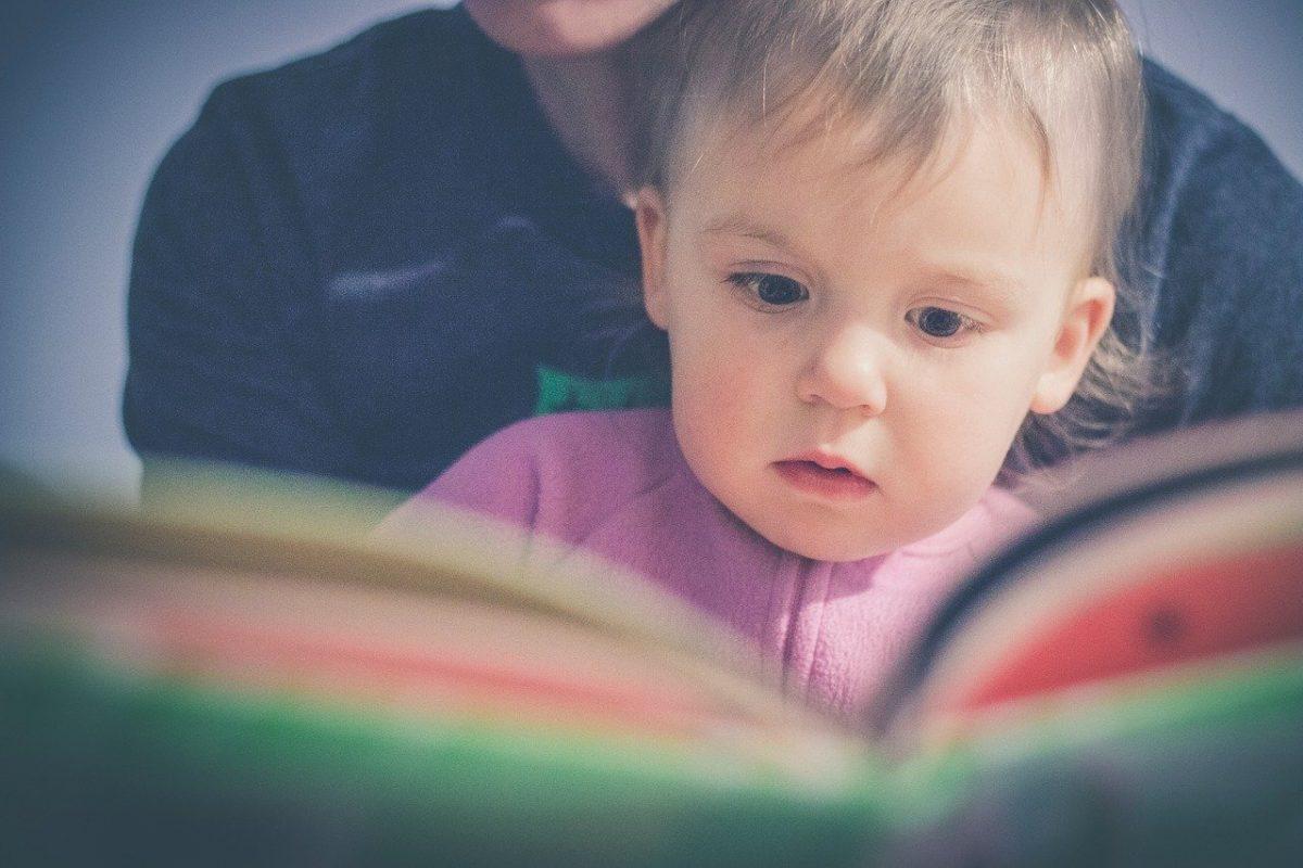 Mesékkel segít a családoknak az Unicef