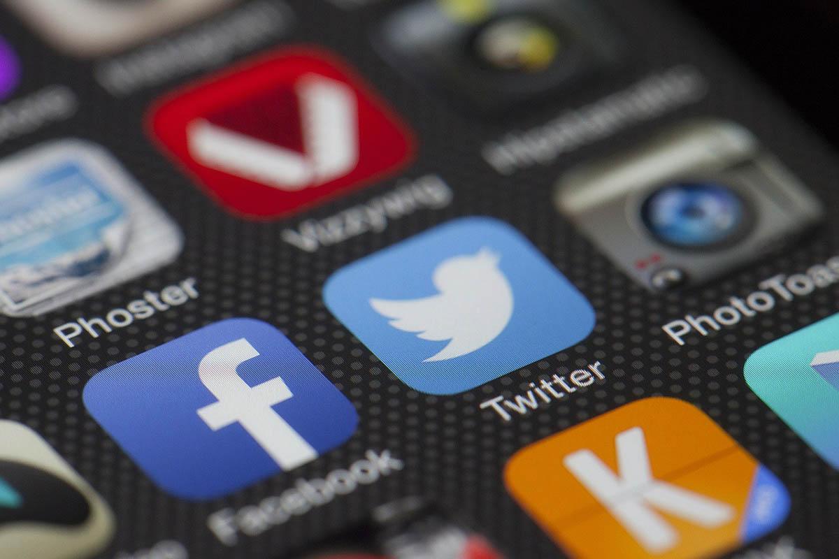 A Twitter alapítója egymilliárd dollárt adományoz a járvány elleni harcra