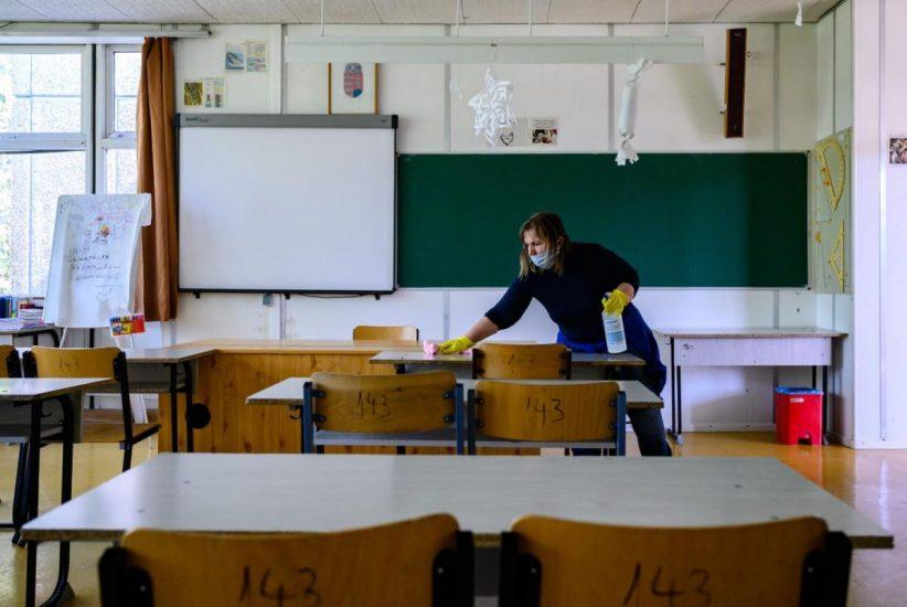 maszkok, iskolákban