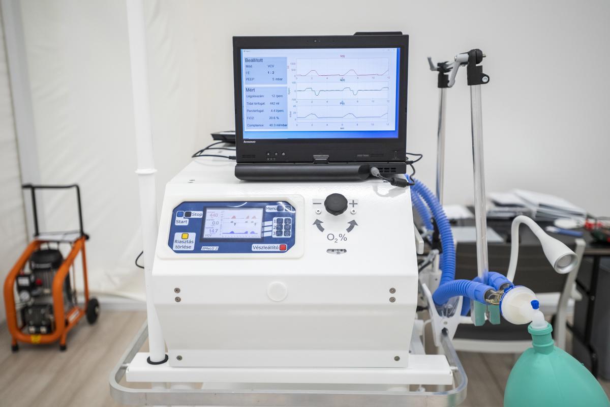 Elindul a magyar fejlesztésű lélegeztetőgép gyártása Magyarországon