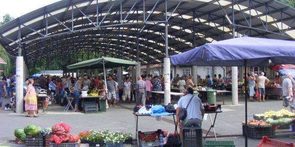 békési, piac