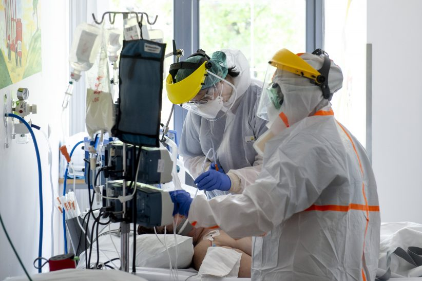 halálos, fertőzöttek, Oroszországban, Csehországban