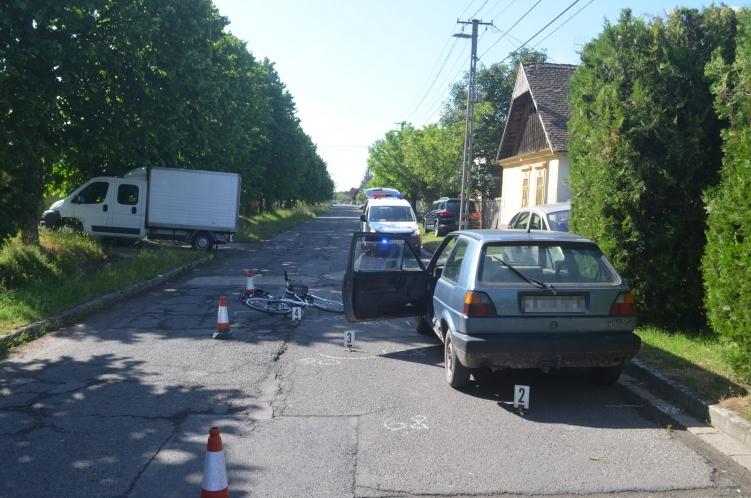 Súlyosan megsérült egy kerékpárral közlekedő nő Békésen