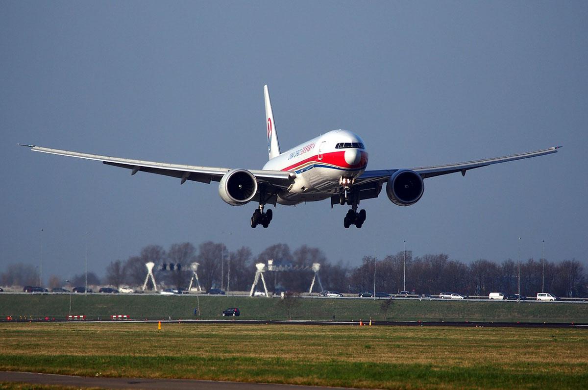 Több ezer embert bocsát el a Boeing, és újraindítja a 737 MAX gyártását