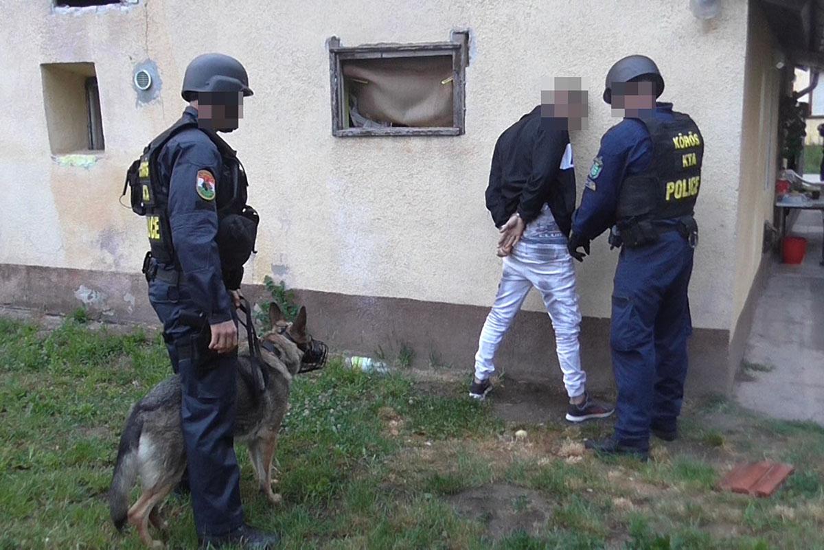 Tiltott bódító hatású anyagot terjesztett a gyanú szerint egy férfi Eleken