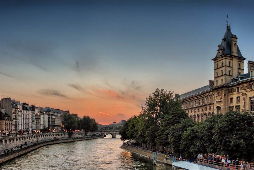 Párizsban, Párizs