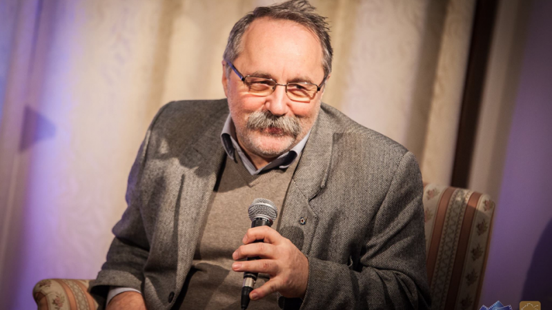Szente Béla marad a Csabagyöngye Kulturális Központ igazgatója