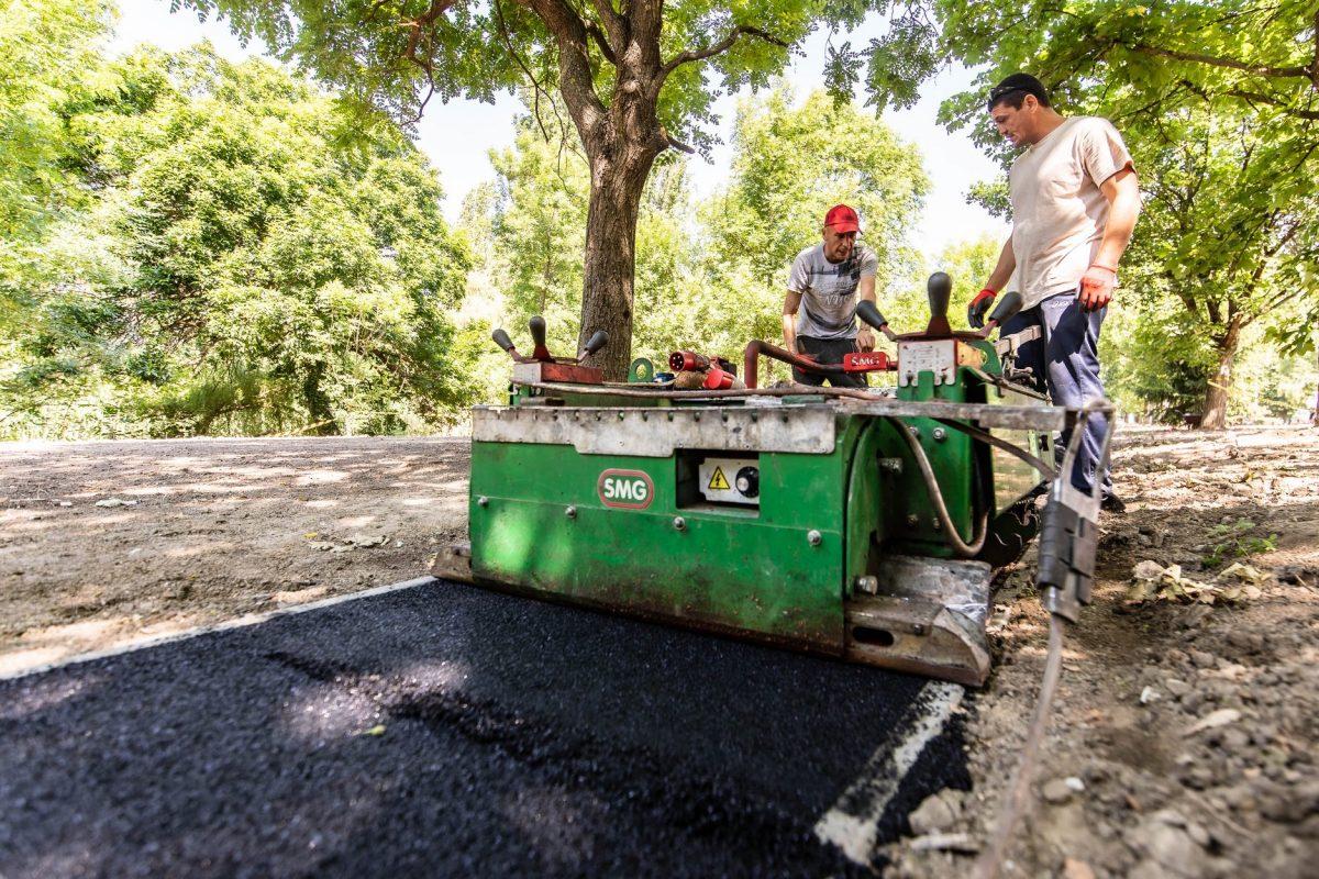 Jó ütemben halad a Fáy utcai futópálya építése