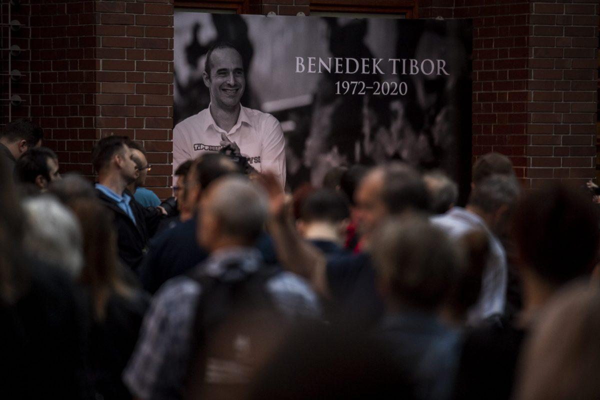 Több ezren búcsúztak a Margitszigeten Benedek Tibortól