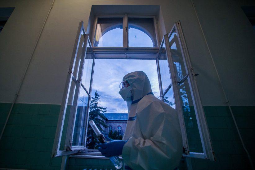 Szerbiában, oltások, víruskutató, halálos, fertőzöttek, Szlovéniában