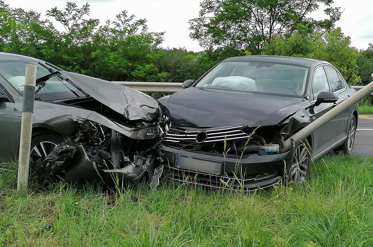 Négy személygépkocsi ütközött Békés és Békéscsaba között