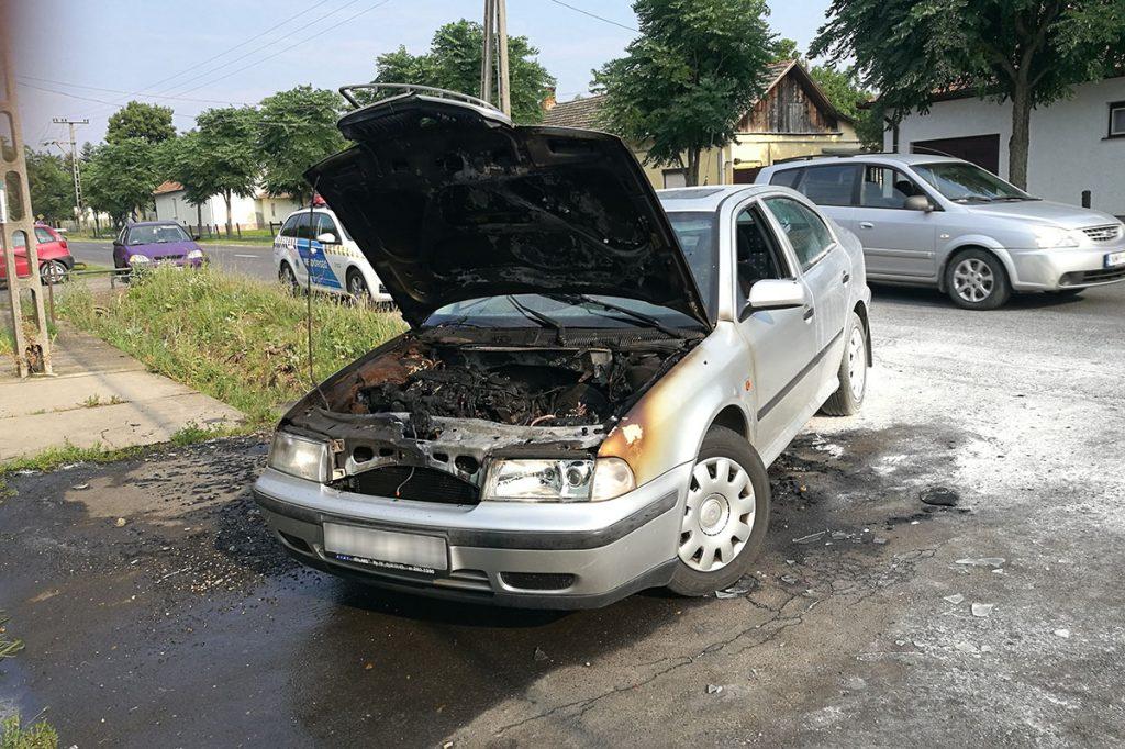 kigyulladt autó Mezőberényben