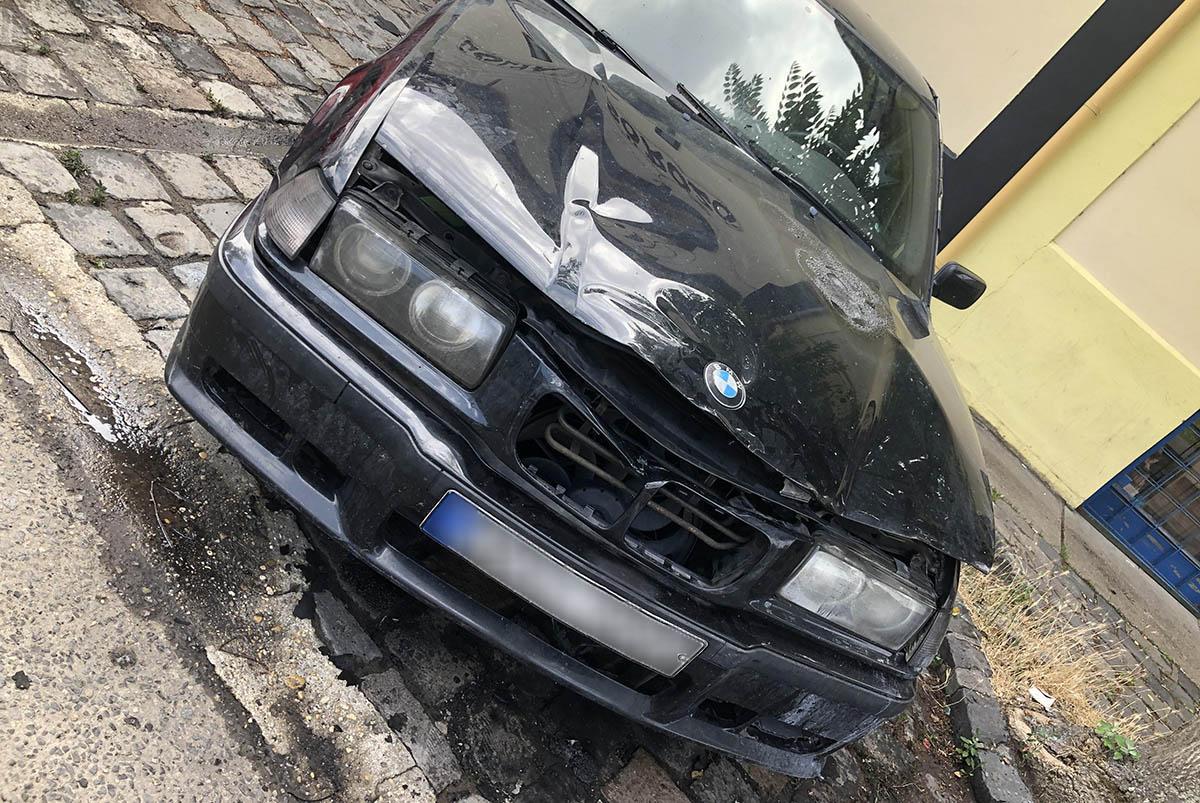 Kezdődő autótűzhöz riasztották a tűzoltókat Békéscsabán