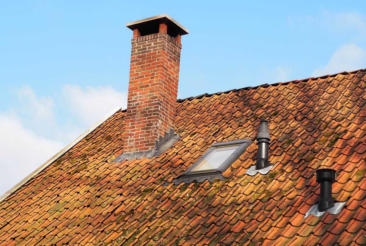 A nyári melegben csökken a kémények huzata, így nő a szén-monoxid-visszaáramlás veszélye