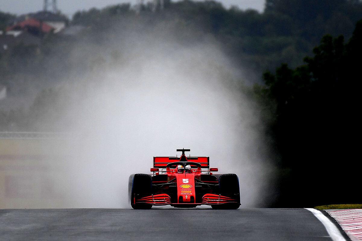 A vizes pályán Vettel volt a leggyorsabb a második szabadedzésen