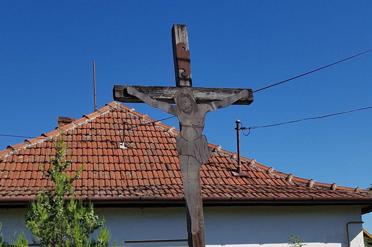 A békési Kereszt utcai kereszt konzerválása a cél