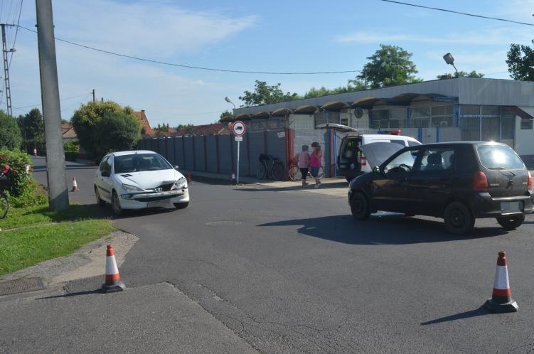 Újkígyóson balesetnél helyszíneltek a rendőrök