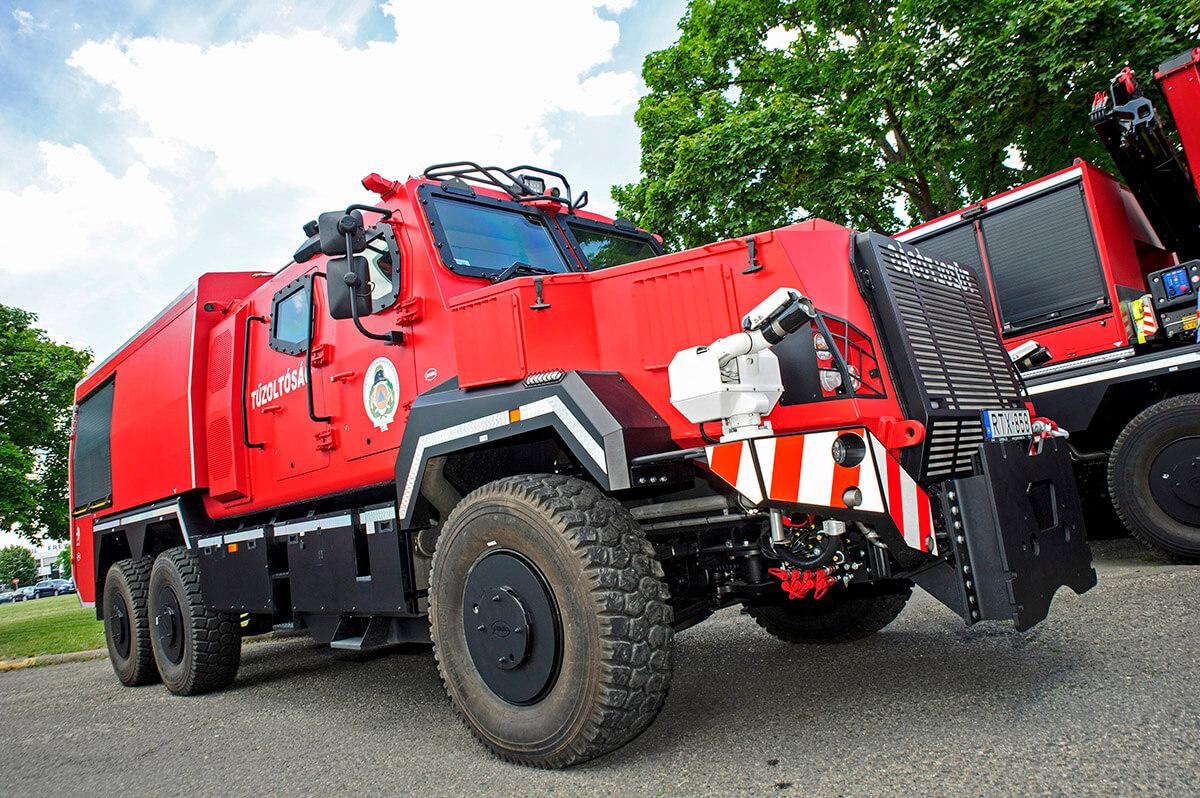 speciális jármű, tűzoltóság, katasztrófavédelem, tűzoltó