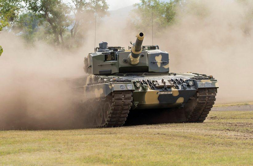 harckocsi, tank, itthon