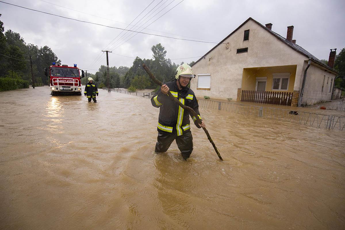 Családokat kell kitelepíteni Zalában a hatalmas eső miatt