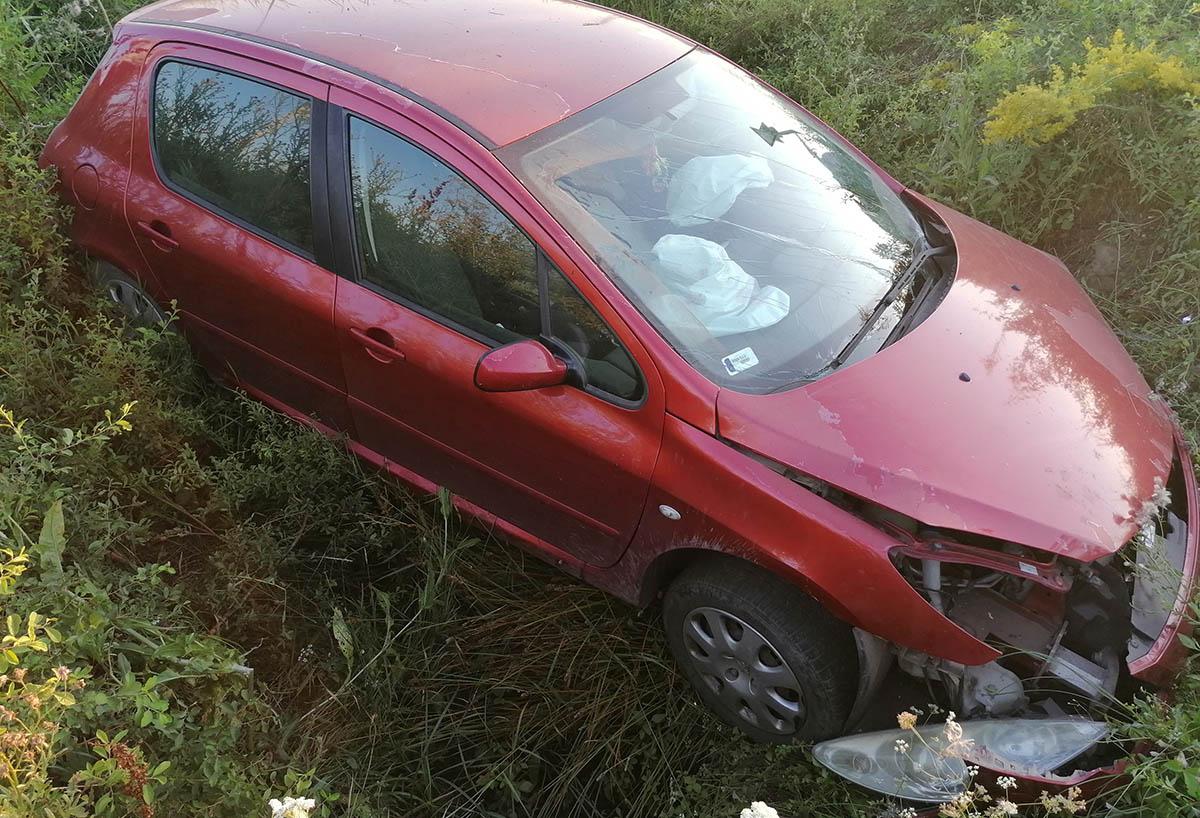 Árokba hajtott egy gépkocsi Murony térségében, a járművezető feltehetően ittas volt