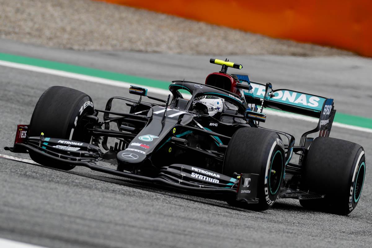 Bottas nyert Hamilton büntetése után