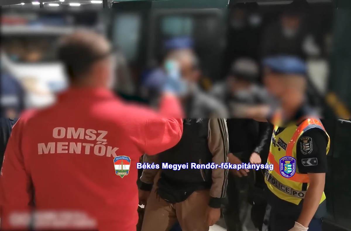 Huszonkilenc határsértőt fogtak el a rendőrök Tótkomlóson